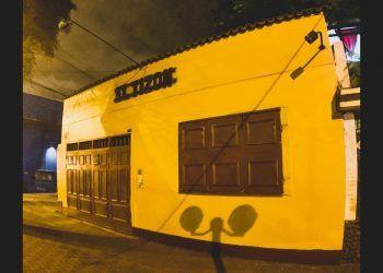 local de El Tizón, bar limeño de temático rock